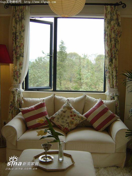 简约 一居 客厅图片来自用户2738813661在英式风格田园家三74的分享