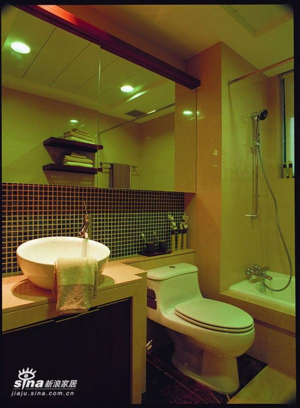 简约 复式 卫生间图片来自用户2557979841在含蓄的力量60的分享