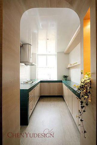 厨房还是采用了浅色系