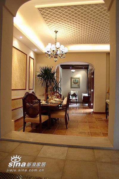 欧式 跃层 餐厅图片来自用户2746869241在20万元装修240平米公寓-欧式王妃享受66的分享