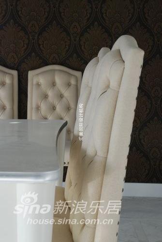 欧式 别墅 客厅图片来自用户2757317061在高傲绚丽的哥特风格73的分享
