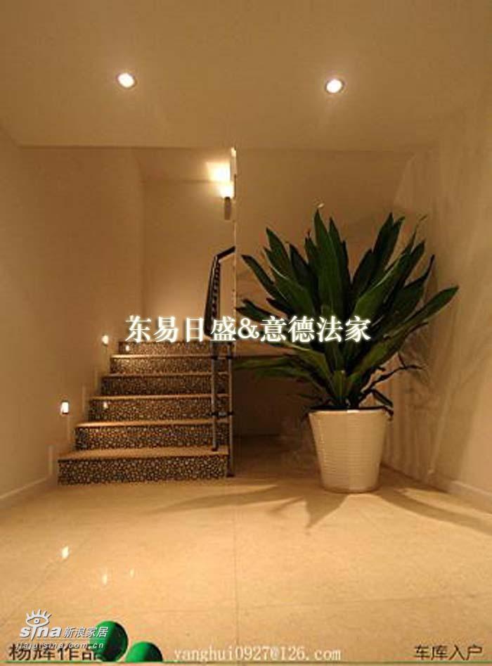 欧式 别墅 楼梯图片来自用户2746889121在塞纳维拉10的分享
