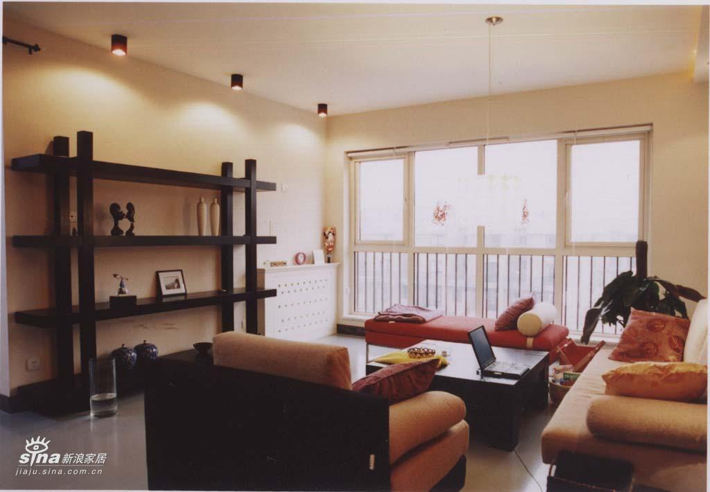 欧式 二居 客厅图片来自用户2746953981在轻舟总设计部37的分享