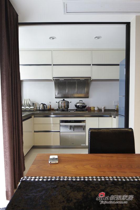 简约 三居 厨房图片来自用户2738820801在5.5万装98平三居时尚美家49的分享