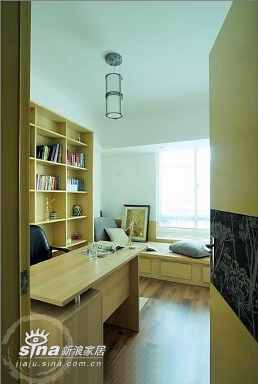 简约 三居 书房图片来自用户2738820801在超漂亮三居样板间76的分享