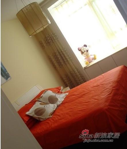 简约 二居 卧室图片来自用户2558728947在6万装78平现代简约二居69的分享