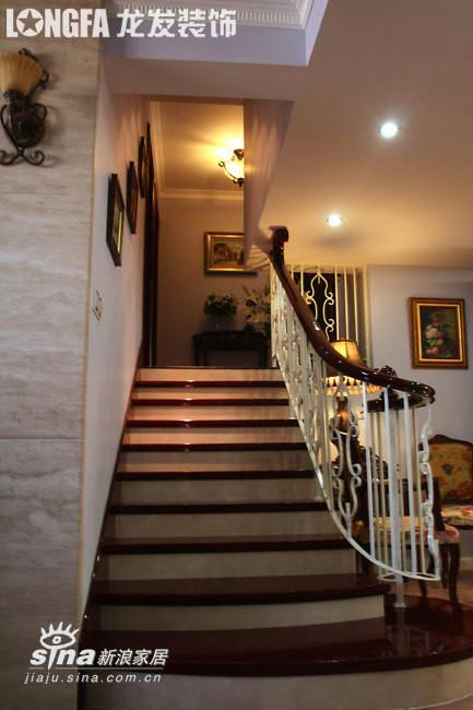 欧式 三居 楼梯图片来自用户2746948411在欧洲古典主义风格--依云小镇19的分享