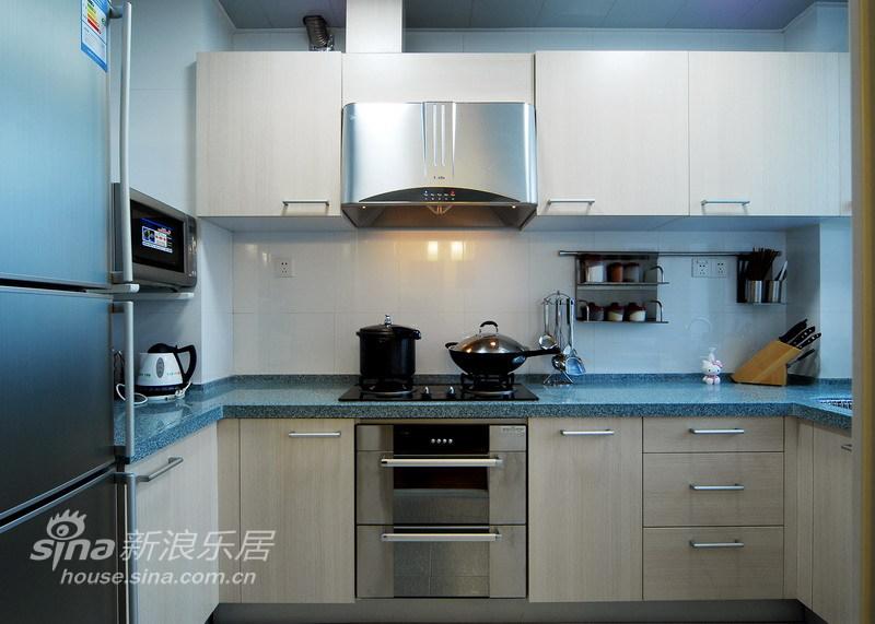 简约 三居 厨房图片来自用户2738813661在简练雅致三居室45的分享