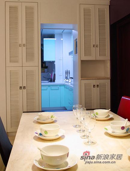 现代 三居 餐厅图片来自装修微日记在【高清】8万打造105平现代雅致之家76的分享