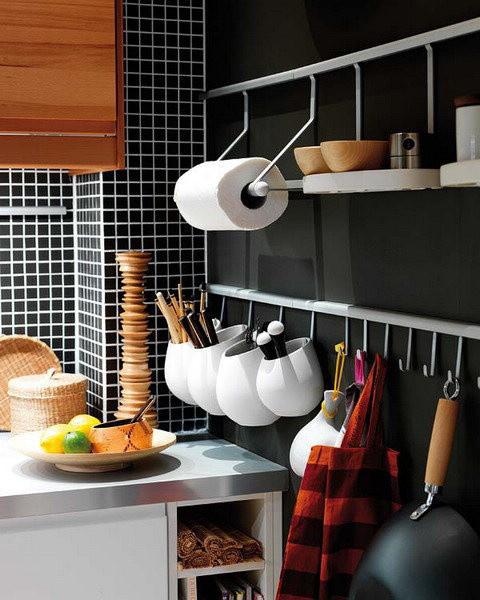 弄这样的厨房挂钩也很实用,色彩搭配得好也很好看~