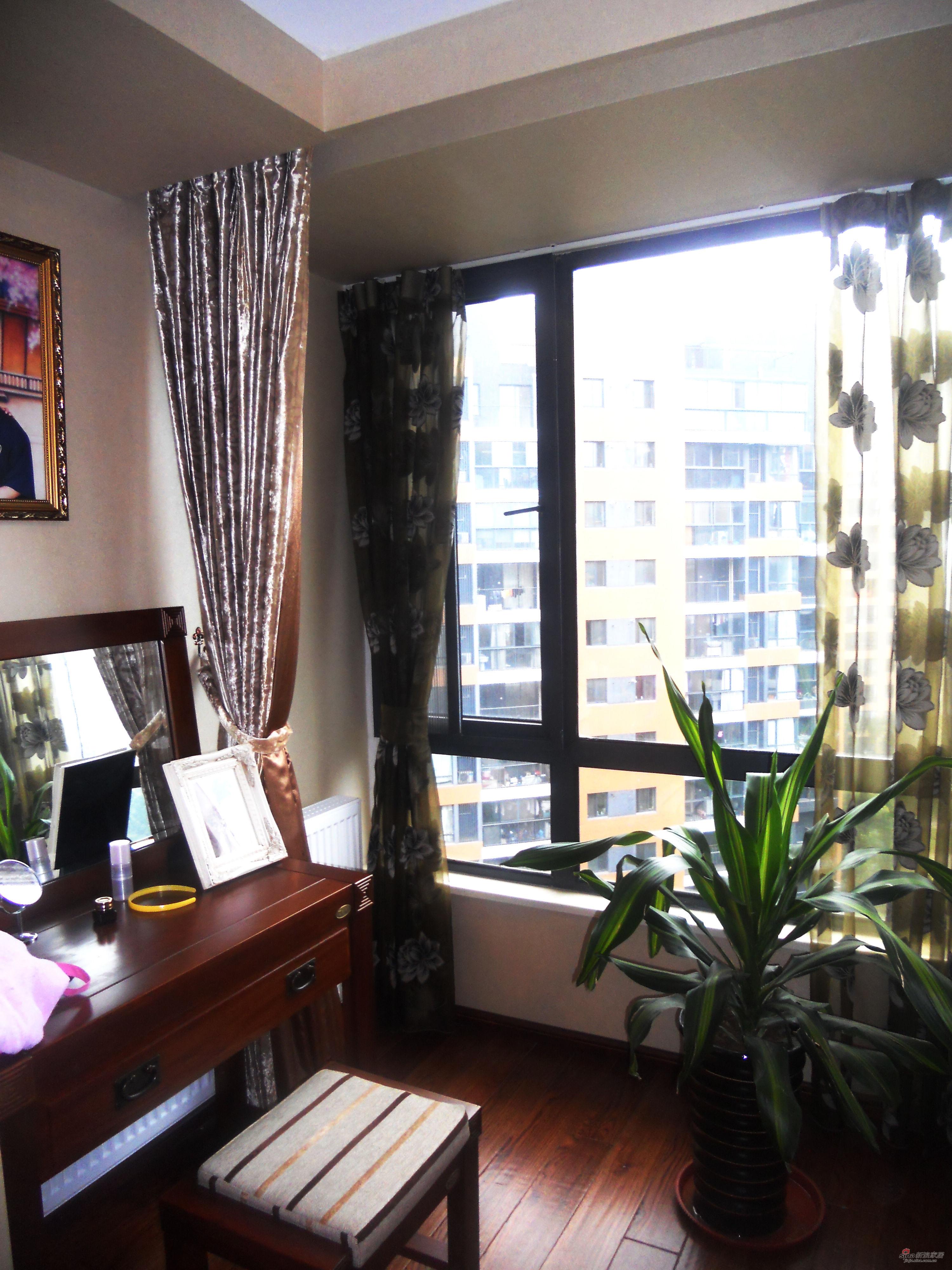 混搭 三居 书房图片来自用户1907689327在经典生活-150平米完美设计63的分享