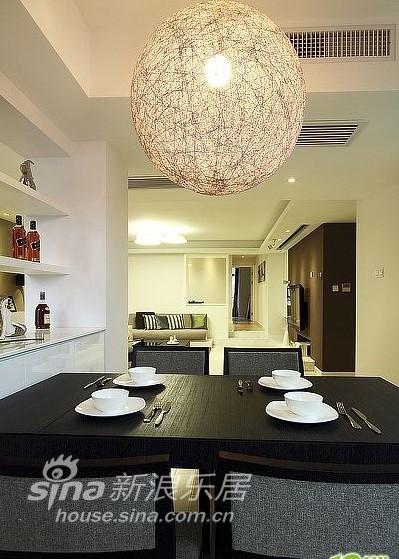 简约 四居 客厅图片来自用户2738820801在45万140平现代简约家28的分享