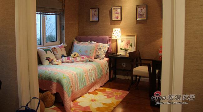 中式 三居 卧室图片来自用户1907658205在三居二卫传统的中国韵味71的分享