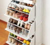 实木大容量旋转鞋柜、玄关柜。柜体背部,柜体两侧中间凹进去部位和抽屉底部是实木合层板,纯手工喷漆,硝基漆,环保性非常好。