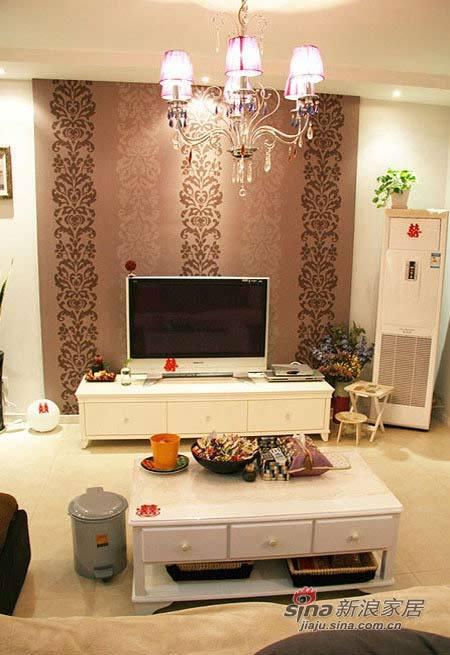 简约 二居 客厅图片来自用户2739153147在爱侣6万全包90平蜜意婚房47的分享