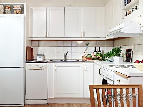 简约 三居 厨房图片来自用户2557979841在9万打造126平现代纯色3居24的分享