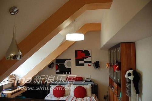 20平斜顶阁楼也能变身舒适小窝