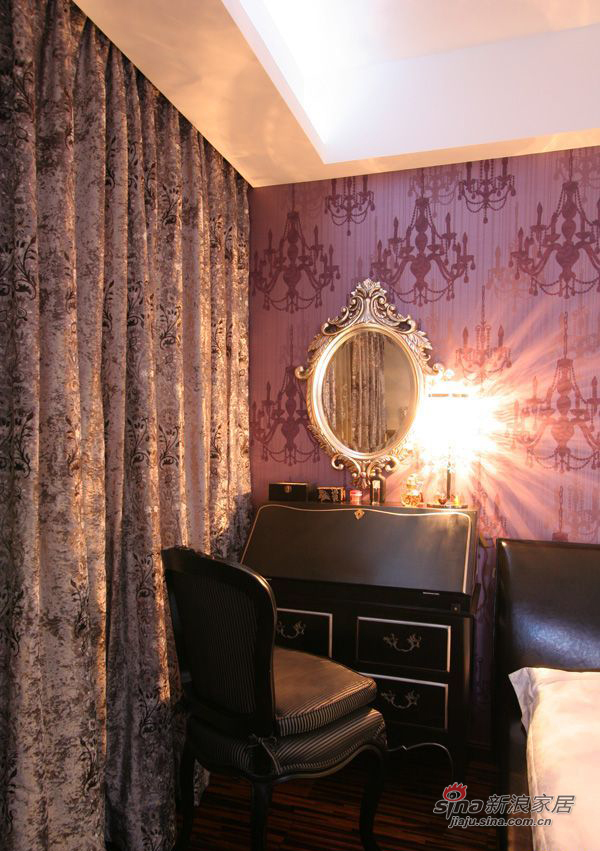 现代 三居 卧室图片来自装修微日记在【高清】114平古朴典雅现代3居室64的分享