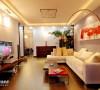 直线条的吊顶配合简约时尚的沙发富含设计或哲学意味,但却不夸张