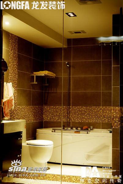 卧室看卫浴室
