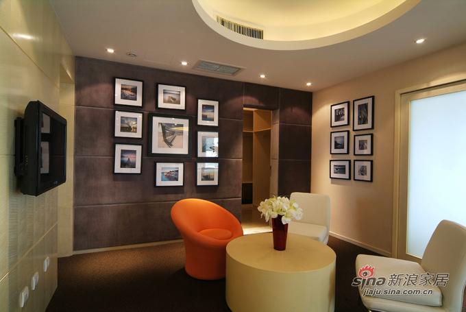 简约 loft 客厅图片来自用户2739081033在116平咖啡色时尚优雅空间63的分享