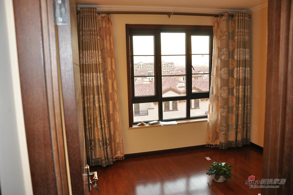 新古典 别墅 阳台图片来自用户1907664341在我的专辑578834的分享