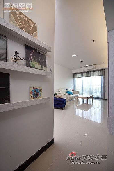 简约 三居 玄关图片来自幸福空间在99平三房两厅时尚简约风格44的分享