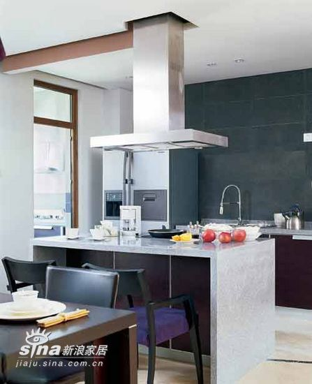 简约 四居 厨房图片来自用户2557010253在神秘紫色营造浪漫居室52的分享