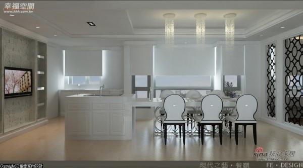 餐厅则处于客、厨房的中心位置,视觉通透