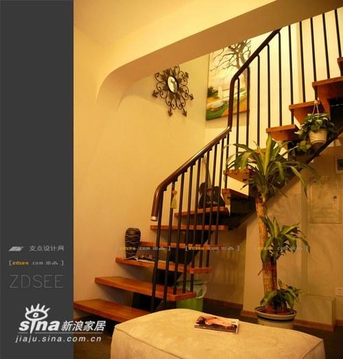 简约 一居 楼梯图片来自用户2739378857在混搭后现代田园55的分享