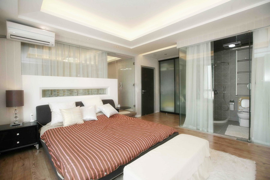 简约 三居 卧室图片来自用户2738845145在【高清】6万打造124平现代简洁三居室52的分享