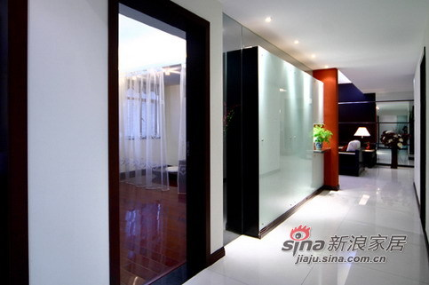 简约 二居 客厅图片来自用户2739081033在经典红黑配,演绎时代新风尚23的分享