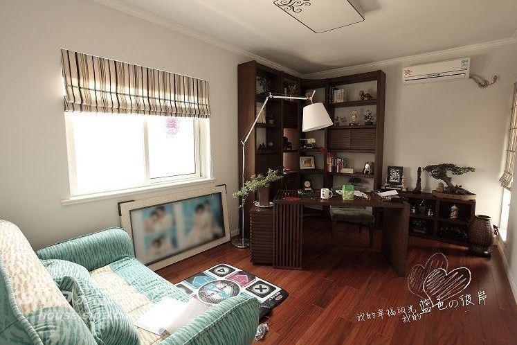 简约 二居 客厅图片来自用户2737759857在简约宽敞设计55平米小户型79的分享