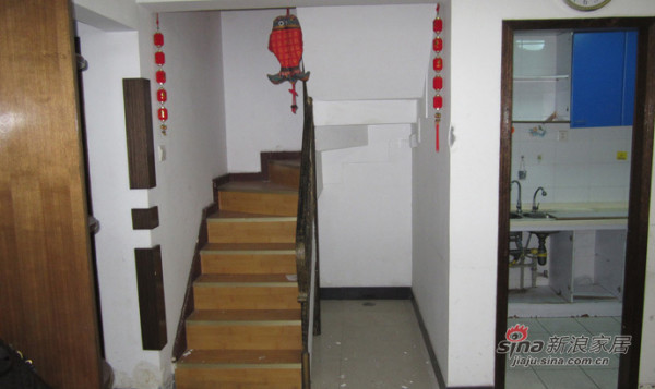 装修前楼梯