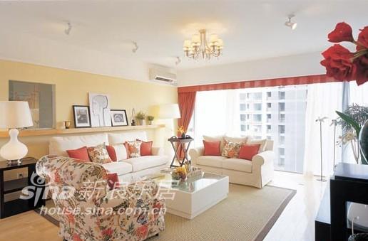 简约 三居 客厅图片来自用户2559456651在现代和欧式元素混搭清爽、淡雅3居室34的分享