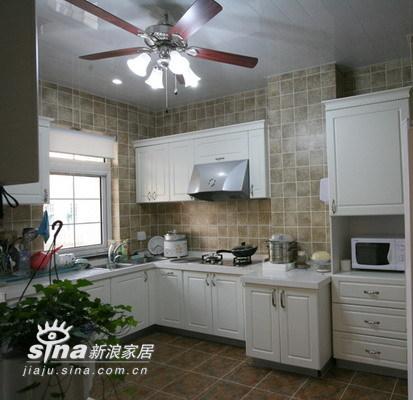 欧式 别墅 厨房图片来自用户2557013183在实创装饰加州水郡连排别墅58的分享