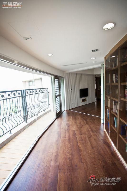 简约 四居 阳台图片来自幸福空间在198平原木简约自然风61的分享