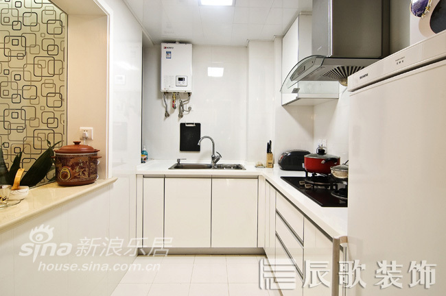 简约 二居 厨房图片来自用户2557010253在空间与视觉的穿梭72的分享