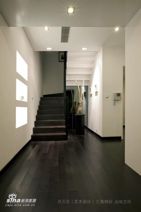 简约 别墅 楼梯图片来自用户2737782783在低调的别墅生活(实景版)11的分享
