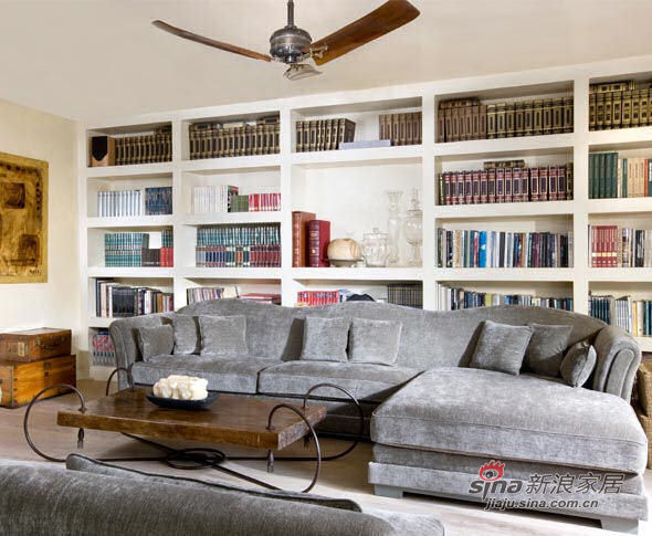 欧式 别墅 客厅图片来自用户2772856065在70年代风格的Ada别墅设计72的分享