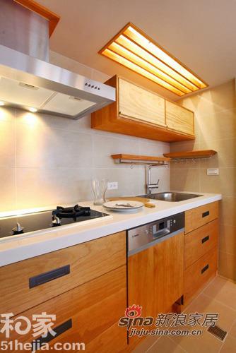 简约 三居 厨房图片来自用户2737782783在原木打造89平返璞归真的简单生活家64的分享