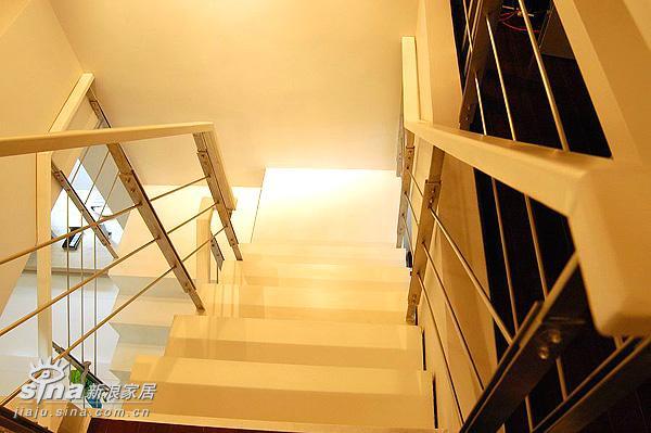 简约 跃层 楼梯图片来自用户2737786973在现代人的现代家14的分享