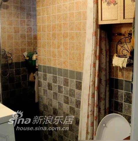 简约 二居 客厅图片来自用户2737786973在穷人穷装84平婚房60的分享