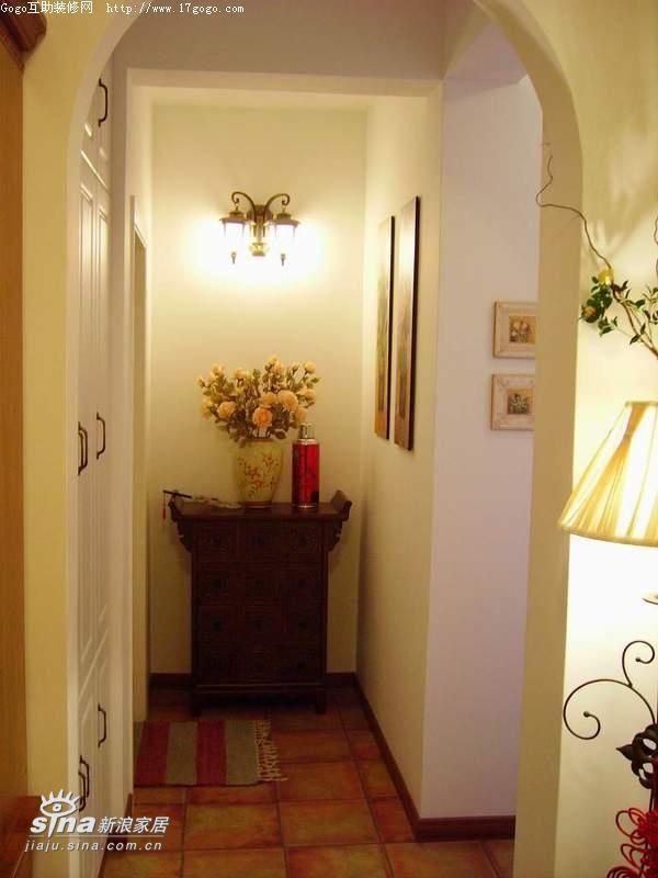 简约 四居 客厅图片来自用户2738829145在美式与田园的结合37的分享