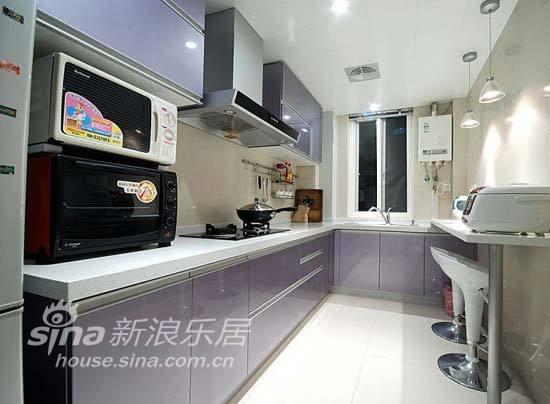 简约 三居 厨房图片来自用户2738093703在135平清新素雅格调简约家37的分享