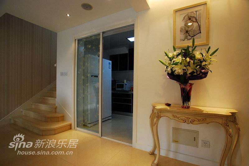 简约 别墅 玄关图片来自用户2738820801在黑玫瑰之混搭别墅70的分享