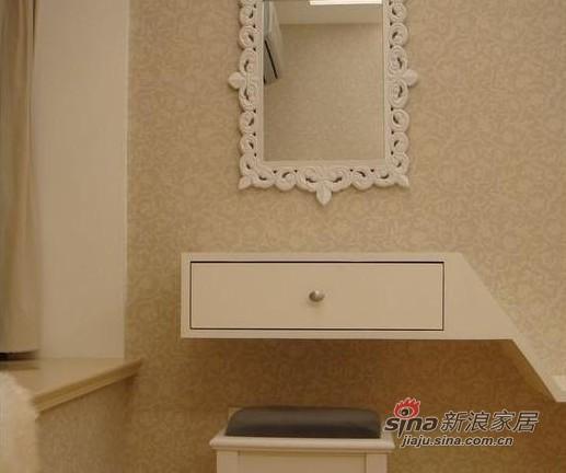 简约 一居 卧室图片来自用户2737782783在80后花8万打造60平简约婚房13的分享