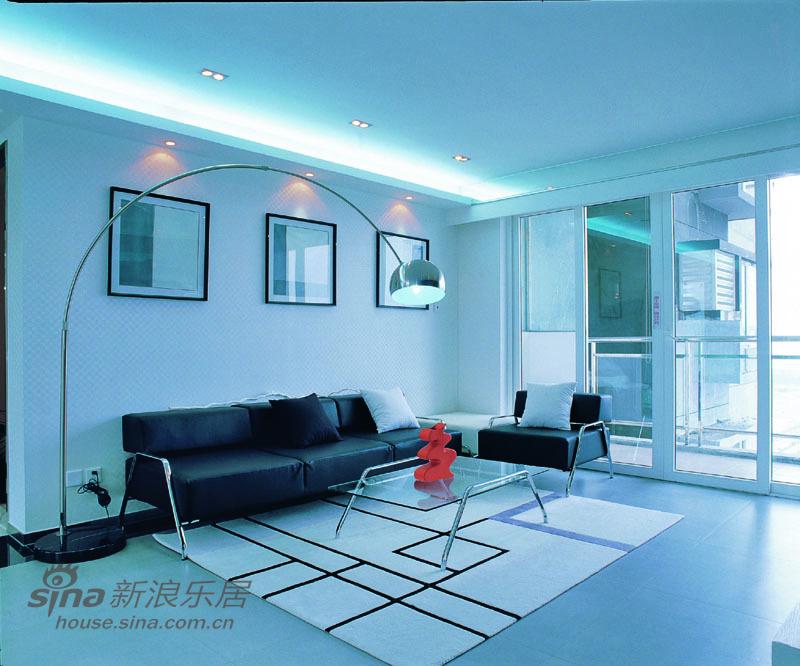 简约 三居 客厅图片来自用户2737735823在经典黑白灰装修极品家55的分享