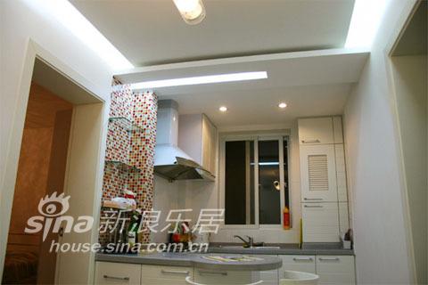 简约 一居 厨房图片来自用户2739153147在3.6万打造的华丽一居33的分享