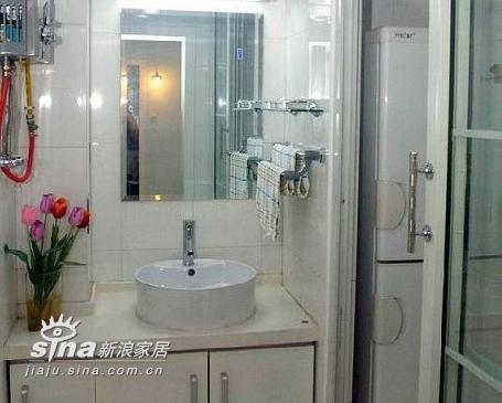 简约 三居 卫生间图片来自用户2737782783在120平3室2厅完美家居84的分享